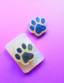 Dirty Dog Bug Off Shampoo Bar with Paw